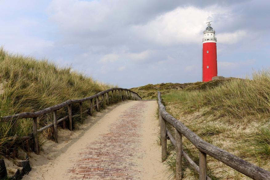lighthouse-4752594_1920
